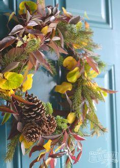 DIY Foraged Fall Wreath + 13 More Wreath Ideas | The DIY Mommy