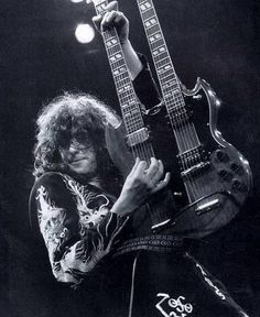Jimmy Page explodes on his EDS 1275 6/12 String Cherry Red Doubleneck! Hell Yea!