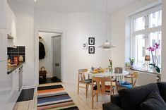 Well Planned Small Apartment with an Inviting Interior Design - http://freshome.com/2011/02/22/well-planned-small-apartment-with-an-inviting-interior-design/