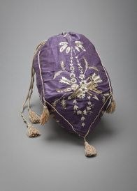 Regency/ Empire Reticule (Purse) French, made of silk Landscaping Tips: What Mulch to Use for Vintage Purses, Vintage Bags, Vintage Handbags, Vintage Outfits, Vintage Shoes, Jane Austen, Bags Online Shopping, Online Bags, Antique Clothing