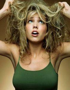 How to Treat Dry Hair - Hair Treatment for Dry Hair - Hair Care Tips for Dry Hai Tips For Dry Hair, Natural Hair Care Tips, Natural Hair Styles, Hair Tips, Shampoo For Curly Hair, Frizzy Hair, Messy Hair, Wavy Hair, Blonde Hair