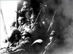 Greek soldiers in the First Balkan War, 1912 Hellenic Army, Zorba The Greek, Greek Soldier, World Conflicts, Military Photos, Greek Art, First World, Archaeology, Religion