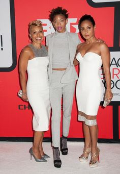 willow-smith with her mom Jada and her Grandmother at -bet-black-girls-rock