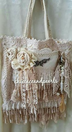This is a shabby lace tote bag.This is a canvas bag that i have covered in lots of vintage lace and vintage doilies.I have added some handmade (shabby chic decor homemade) Unique Purses, Handmade Purses, Vintage Stil, Shabby Vintage, Vintage Lace, Lace Purse, Shabby Chic Stil, Gypsy Bag, Diy Bags Purses