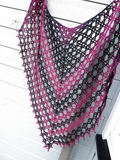 """Hobobird Shawl by Anastacia Knits triangle shawl pattern with """"batwings"""" to stay better on shoulders - $5 for pattern"""