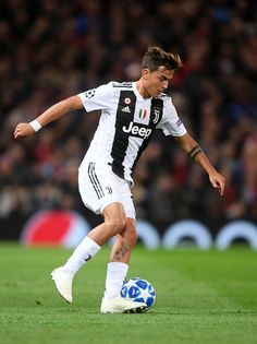 Cristiano Ronaldo Photos Cristiano Ronaldo of Juventus runs with the ball during the Group H match of the UEFA Champions League between Manchester United and Juventus at Old Trafford on October 2018 in Manchester, United Kingdom. Juventus Soccer, Juventus Players, Cristiano Ronaldo Juventus, Juventus Fc, Manchester United, Manchester England, Juventus Wallpapers, Soccer Images, Cr7 Junior
