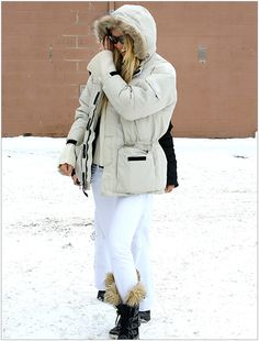 Elle Macpherson  Location: Aspen, CO - Looks We Love: On Vacation - WhoWhatWear