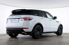 Looking for a high quality Used which offers luxury and class? Try Saxton's Land Rover Range Rover Evoque if you're after a premium-standard SUV. Range Rover Evoque Sd4, Rr Evoque, Range Rover 2018, Range Rover Sport, Range Rovers, Range Rover White, Smart Car Accessories, Land Rover Car, Dream Cars