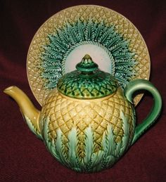19th CENTURY ENGLISH MAJOLICA PINEAPPLE pattern TEAPOT w/ UNDER-PLATE