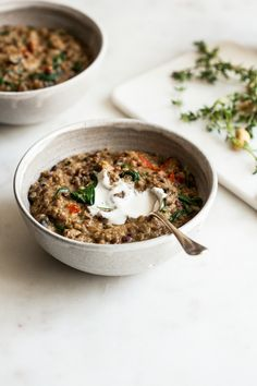 This one pot Italian quinoa and lentils dish is fast, easy to prepare, easy to adapt, and so nutritious. Packed with protein and iron!