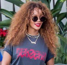 Rihanna Sunday Somewhere Valentine Lunettes, Maquillage Rihanna, Robe  Rihanna, Galerie Rihanna, Chloë b0989ae08131