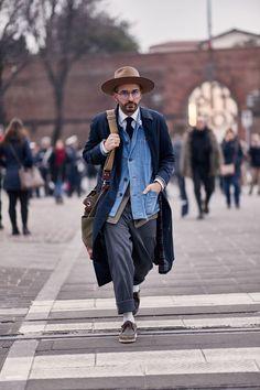 best casual wear for men Best Casual Wear For Men, Men Casual, Daily Fashion, Mens Fashion, Fashion Trends, Style Fashion, Petite Fashion, Fashion Fall, Curvy Fashion