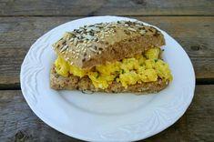 matfrabunnenfb.blogg.no – Mine 15 mest populære gjærbakstoppskrifter Ciabatta, I Love Food, Baguette, Sandwiches, Protein, Gluten, Chicken, Baking, Eat