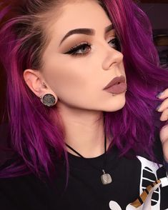 nice 30 Fashionable Ideas for Styling Short Purple Hair -- Be the Brightest Star! Grunge Makeup, Grunge Goth, Goth Makeup, Hair Makeup, Makeup Art, Dye My Hair, New Hair, Short Purple Hair, Bright Purple Hair