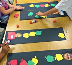 apple activity fall activity – kid activity amorecraft… – Back to School Preschool Apple Activities, Preschool Apple Theme, Autumn Activities, Kindergarten Activities, Toddler Activities, Kindergarten Apples, Preschool Apples, Apple Crafts For Preschoolers, Preschool Fall Theme