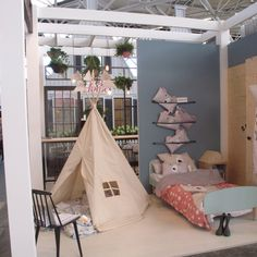 The BIG Moozle teepee was spotted last week at Dutch interior design show VTwoonen Design Beurs. It was used on the Essenza stand to display Covers&Co bedding.  More details on the blog kidsteepeetent.com