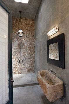 Piedra en el cuarto de baño http://patriciaalberca.blogspot.com.es/