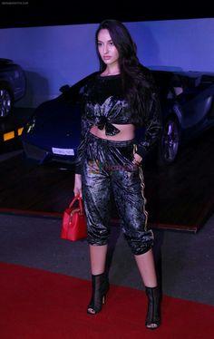 Indian Bollywood Actress, Bollywood Fashion, Nora Lovely, Iron Man Wallpaper, Play Hacks, Liam Hemsworth, Black Crop Tops, Bts Boys, Most Beautiful Women
