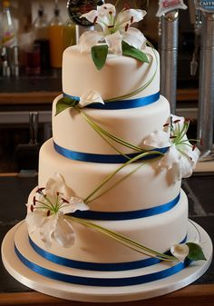 Beautiful Wedding Cake: Oriental and Calla Lilies Wedding Cake, via Flickr.