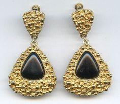 1973 Napier Francis Fujio Partier Triangular Blk Goldtn Pendant Earrings Book Pc #Napier #Dangle