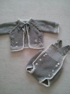 Conjunto de ranita y chaqueta de algodón gris y blanco.  Hecho por María Landín