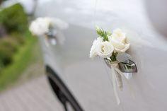 Dekoracje samochodów do ślubu. Żywe kwiaty tylko we Wrocławiu, Świdnicy.