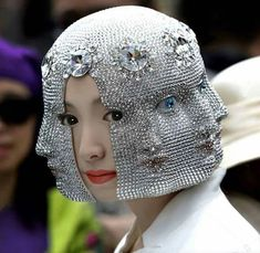 "Designer and artist Heidi Lee crafts surreal wearables, garnering a reputation for her ""Endless Echo Hat"" that features a cast, repeating version of her face. Since making its debut a f… Fashion Art, Weird Fashion, Fashion Design, Dress Fashion, Caroline Reboux, Kreative Portraits, Character Inspiration, Style Inspiration, Looks Style"