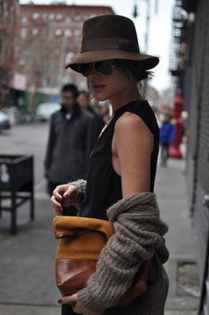 Hat + Clutch