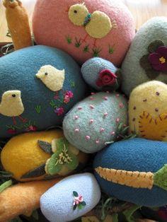 """Mugwump Woolies: Easter 'Woolie"""" Eggs"""