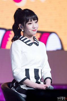 Kpop Girl Groups, Kpop Girls, Lovelyz Jiae, Snow White, Disney Princess, Disney Characters, Celebrities, Celebs, Sleeping Beauty