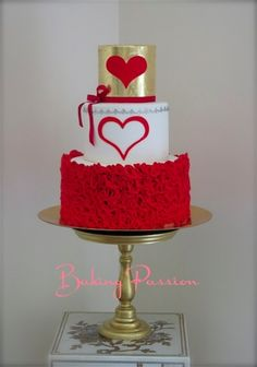 Beautiful heart cake with red, white and gold Cute Cakes, Pretty Cakes, Beautiful Cakes, Amazing Cakes, Fondant Cakes, Cupcake Cakes, Bolo Cake, Valentines Day Cakes, Holiday Cakes