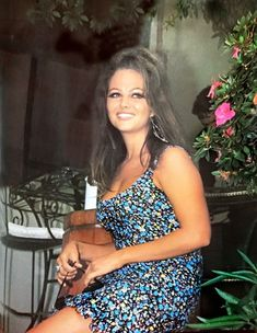 Claudia Cardinale, Italian Actress, Old Actress, Divas, Photoshoot Themes, Italian Beauty, Italian Girls, Famous Women, Timeless Beauty