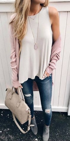 casual style addiction / blush cardi + top + bag + ripped jeans + boots