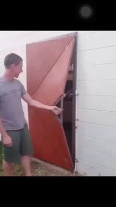 Turvey said that he had the idea for the design in his head for a while after being inspired by video games and unique art work Steel Gate Design, Door Gate Design, House Gate Design, Home Room Design, Unique Garage Doors, Unique Doors, Silo House, Folding Furniture, Grill Design