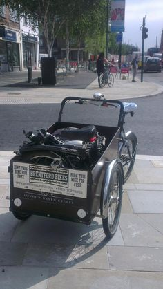 Delivering 2 @BromptonBicycle via cargo trike - great start to the week. pic.twitter.com/7ISoJPvwk8