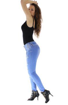 Los vaquero AZUL push up, son ampliamente conocidos por el efecto pum-up que incorporan un nuevo estilo gracias al diseño de pinzas laterales, creamos un patrón exclusivo para controlar el abdomen #Vaqueroscolombianos#Vaquerospushup #jeanspushup#Vaquerospitillo#pantaloncolombiano #tejanos los consigues en www.hadabella.com