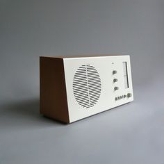 Braun Electrical   Audio   Braun RT 20 Tischsuper (beech / White)