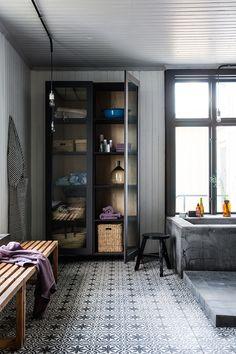 tiled floor / Guldhuset i Köping