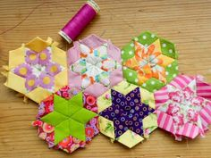 Making a flower EPP in a hexie shape......love this.  myBearpaw: English Paper Piecing Tutorial - with cheating!