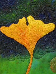 upright-small-yellow-ginko tut