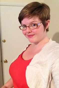 Pixie Haircuts for Overweight Women with Glasses | Girl short hair, Short hairstyles and Fat girls on Pinterest