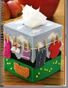 Country Clothesline Tissue Box Cover 2/5