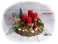 Advent wreath - Advent wreath / Advent arrangement on wooden disc - a designer piece . Christmas Swags, Easy Christmas Crafts, Modern Christmas, Simple Christmas, Christmas Time, Christmas Ornaments, Christmas Centerpieces, Xmas Decorations, Advent Candles