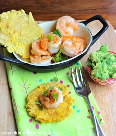 Camarones al Ajillo  mycolombianrecipes.com