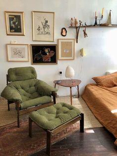 Living Room Interior, Home Interior Design, Interior Decorating, Common Room, Minimalist Living, Cool Rooms, Cozy House, Home Decor Inspiration, Decoration