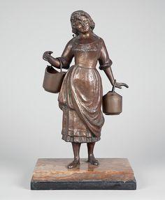 Escultura de bronze na figura de jovem camponesa. Base de mármore europeu. 35 cm de altura sem a bas