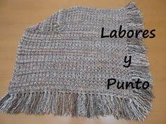 En este video aprenderás a tejer un poncho muy fácil y bonito, tejiendo dos cuadrados de 50x50cm en punto inglés. Es muy fácil, sencillo y rápido de tejer. E...