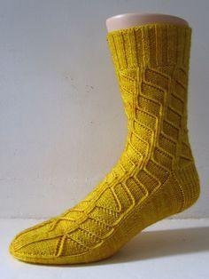 Ravelry: Wendel pattern compliments of General Hogbuffer, thank you! Lace Socks, Crochet Socks, My Socks, Crochet Lace, Knit Socks, Lace Knitting, Knitting Stitches, Knitting Socks, Knitting Patterns
