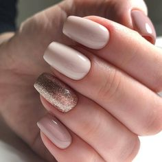 My longest manicure lasted for 13 days! This is my 19 proven tips on how to make nail polish last longer on natural nails. Pretty Nail Designs, Short Nail Designs, Nail Art Designs, Acrylic Nails Designs Short, Elegant Nail Designs, Trendy Nails, Cute Nails, My Nails, How To Do Nails