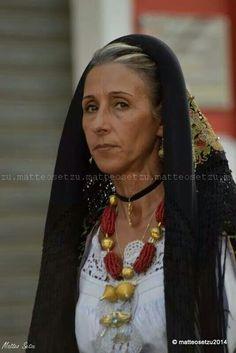 Traditional dress Sardinia. Oliena ♥ photo by Matteo Setzu